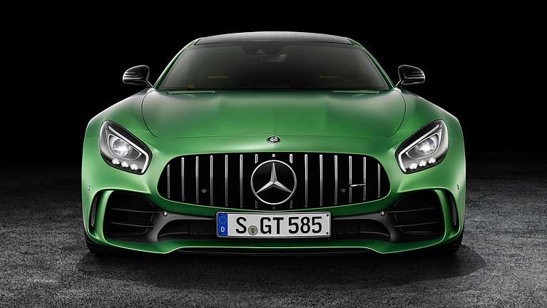 Frontansicht des Mercedes-AMG GT R mit Panamericana Grill