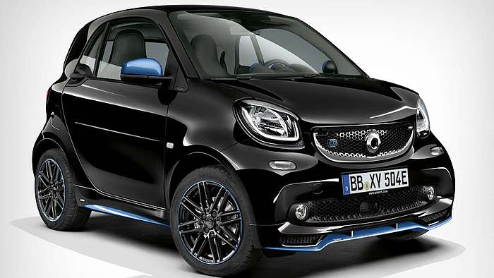 Die Frontansicht des smart EQ fortwo/forfour edition nightsky