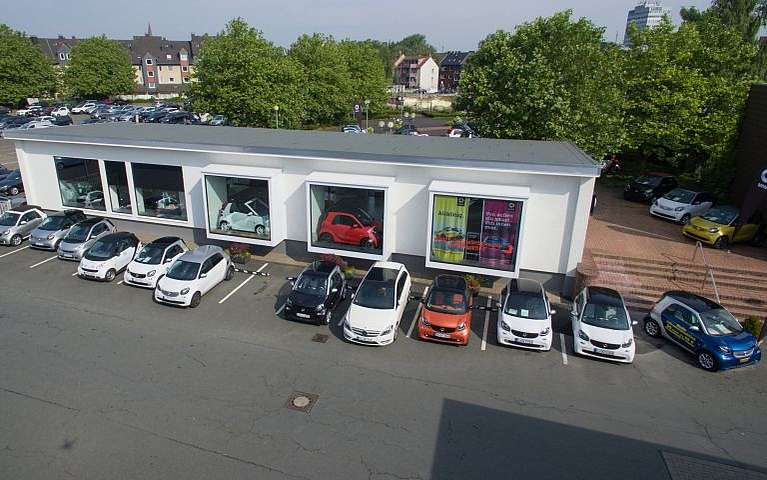 Das Bochumer smart Center von LUEG Compact Car