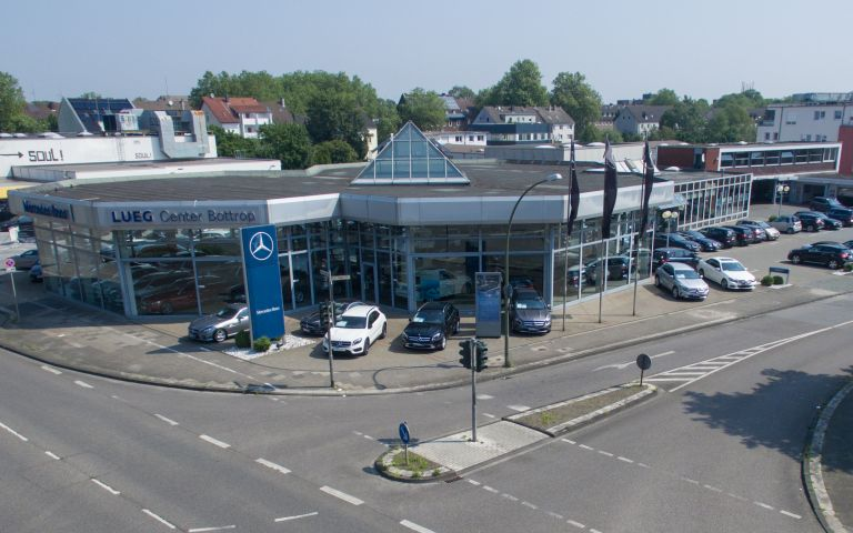 Mercedes center lueg bottrop lueg for Contact mercedes benz financial